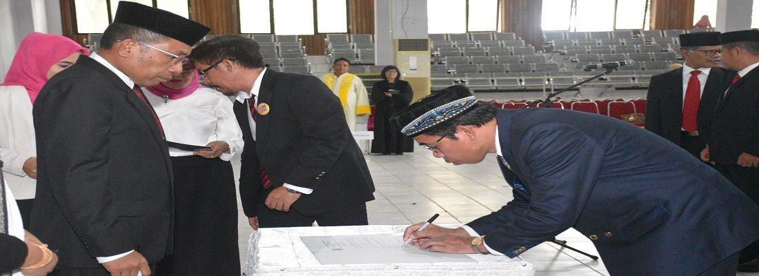 Pelantikan Dekan FKM UHO oleh Rektor UHO